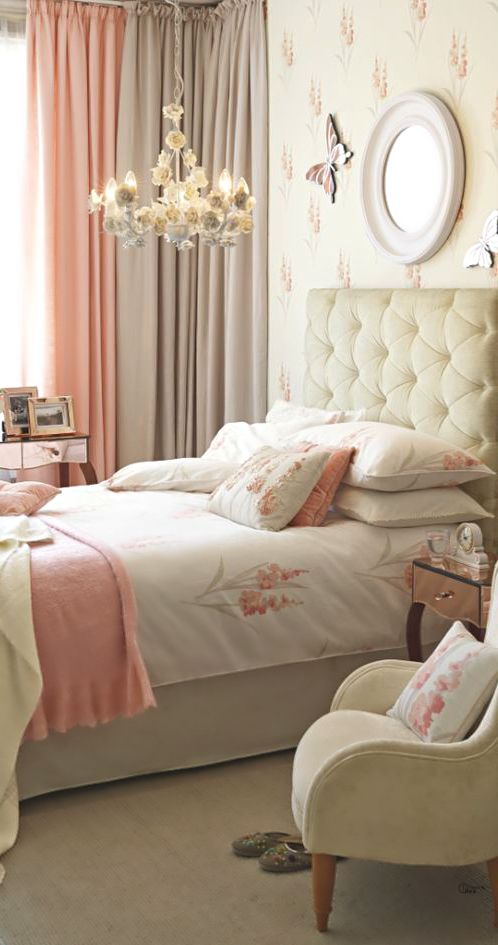 Brilliant pastel bedroom design ideas decoholic for Blue and peach bedroom ideas