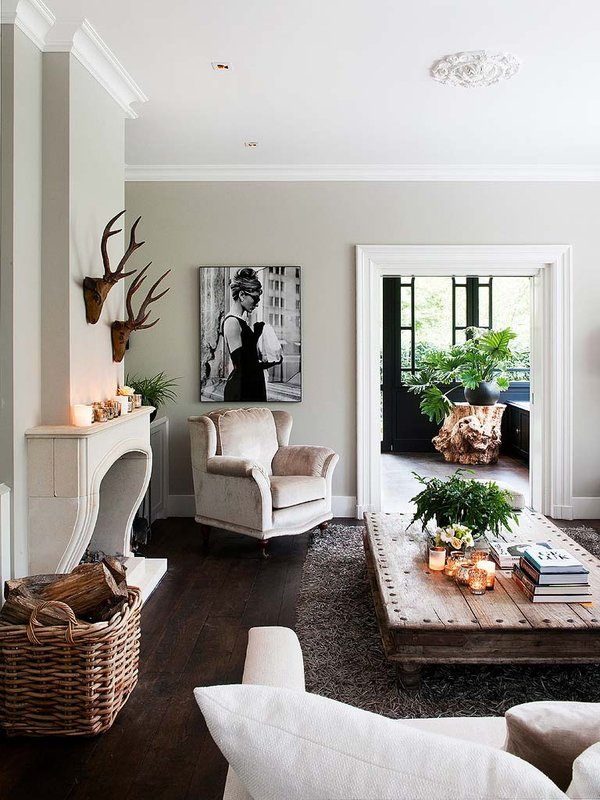 Modern Accents To A Traditional Interior 2