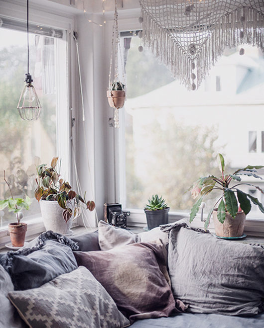 Cozy Home That Blend Vintage With Modern Boho