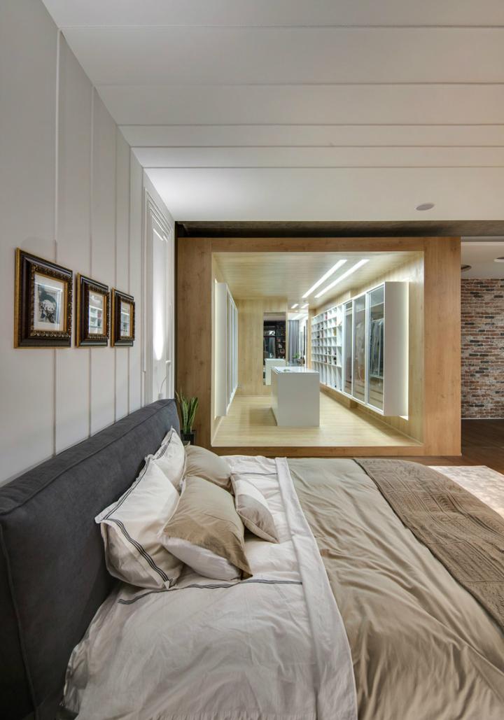 A Cozy Open Interior 11