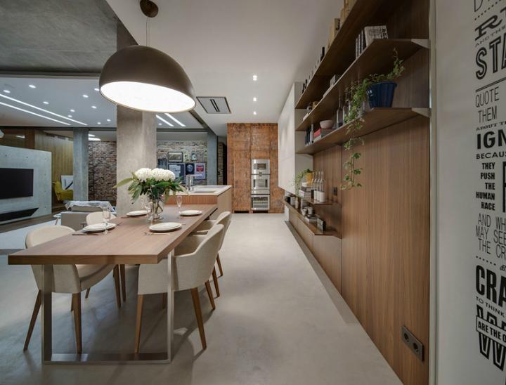 A Cozy Open Interior 5