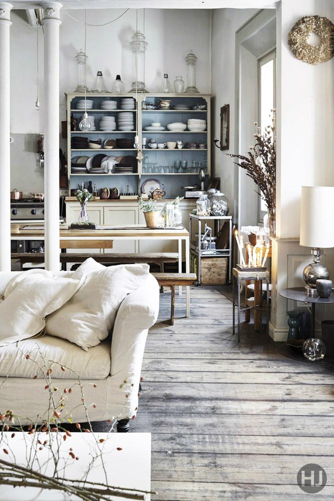 Pretty Adorable and Stylish Italian Apartment 2