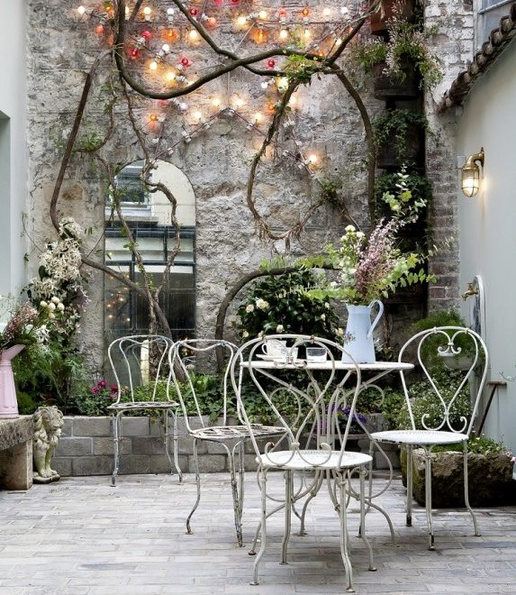 Budget Friendly Boutique Hotel In Paris With Trendy Decor 5