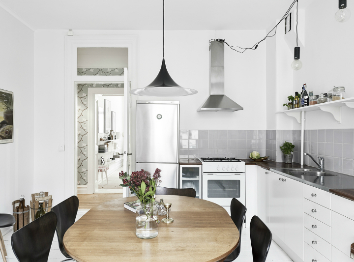 Scandinavian stylish apartment interior design idea 15
