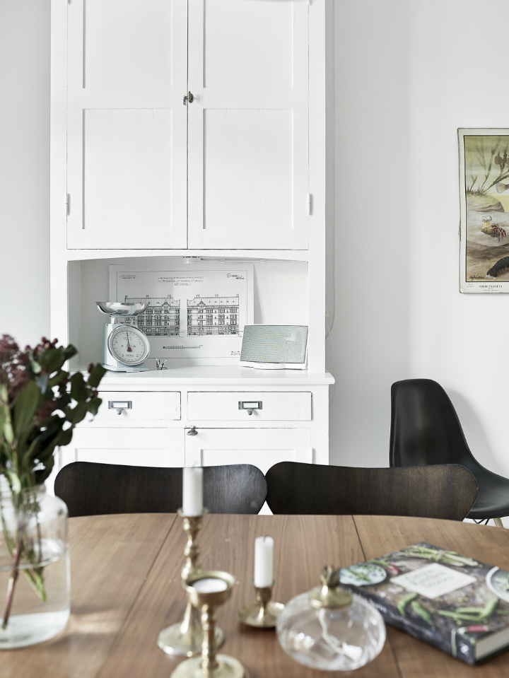 Scandinavian stylish apartment interior design idea 17