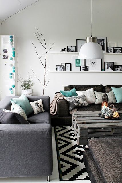 Black and White Living Room Idea 11