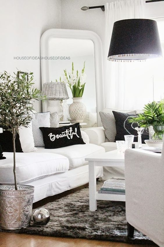 Charming Black And White Living Room Idea 41