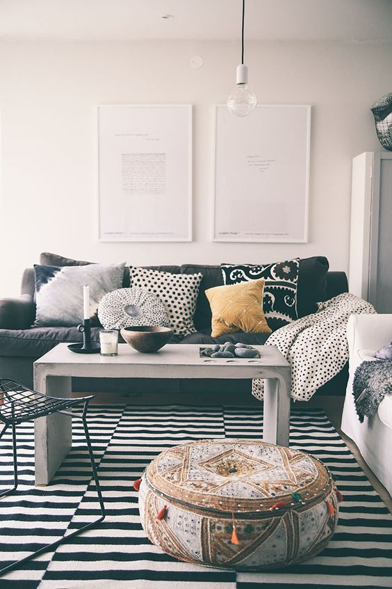 Black and White Living Room Idea 42