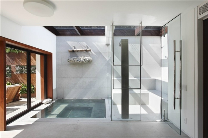Comfortable Spacious Pool House in Rio de Janeiro 13