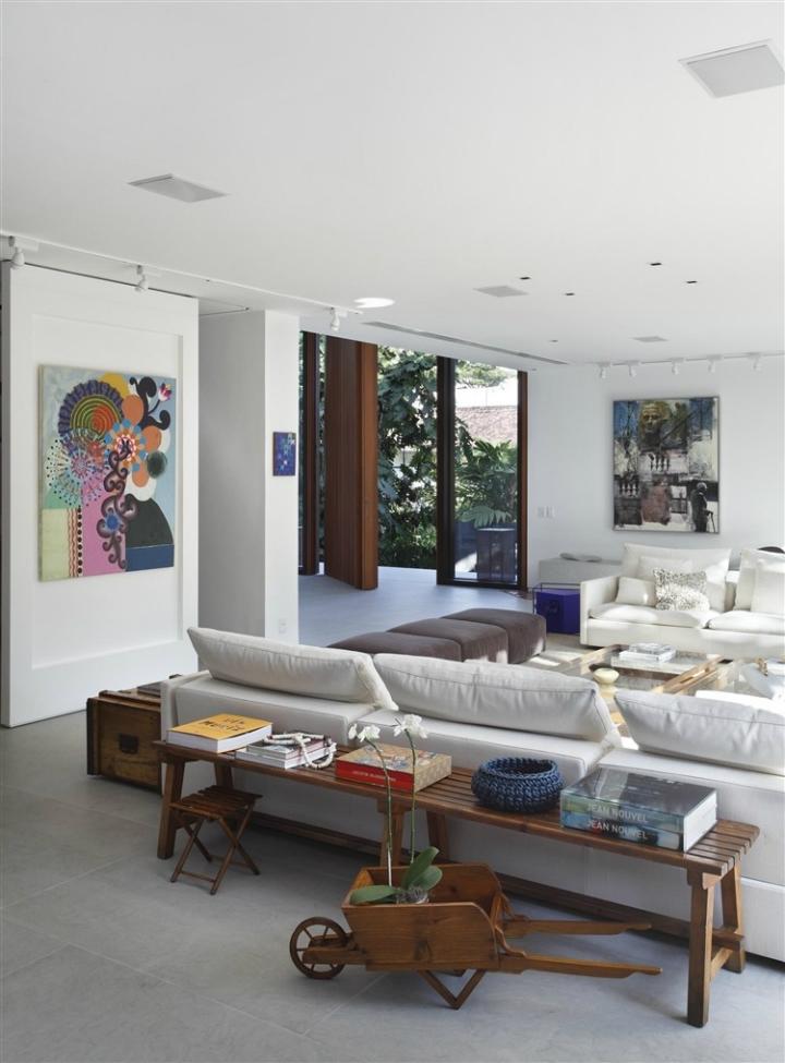 Comfortable Spacious Pool House in Rio de Janeiro 4