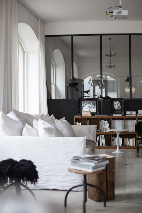 Cozy factory hall home decoholic for Interieur moderne