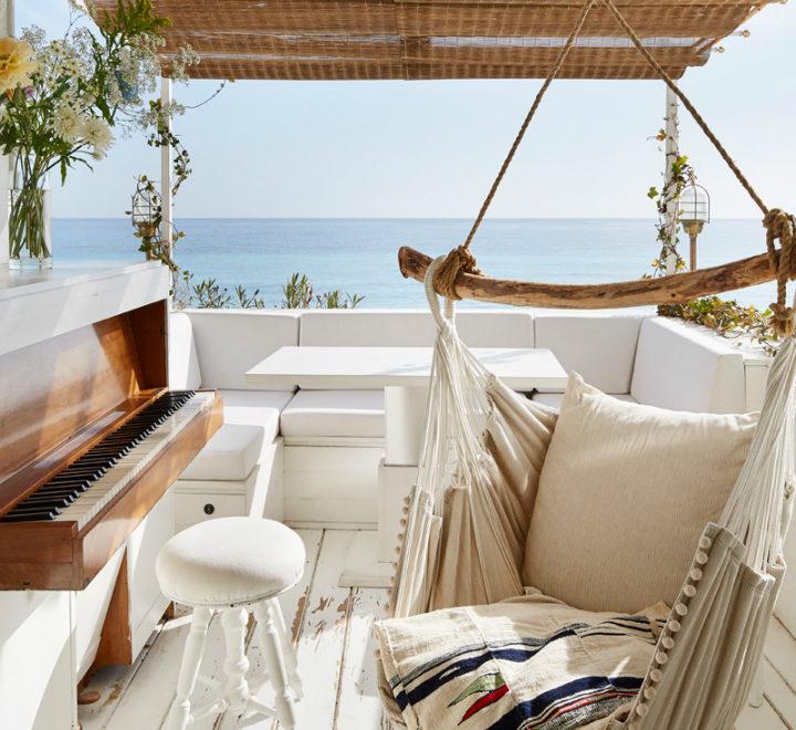 Italian Coast Cabin with a Seafarer's Spirit
