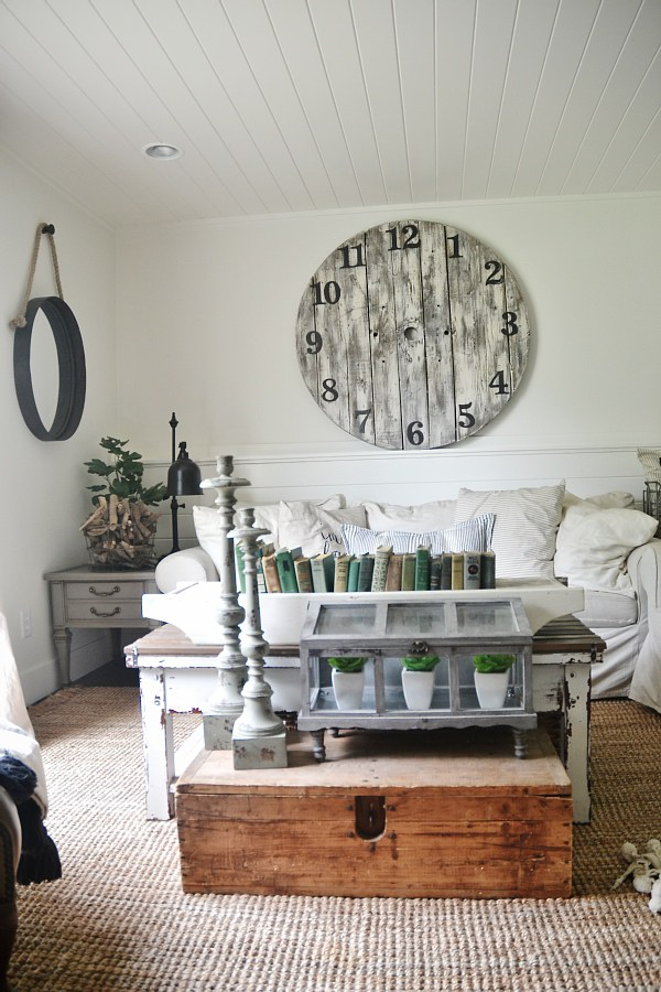 Liz Marie's Cozy Abode and its Creative Décor 15