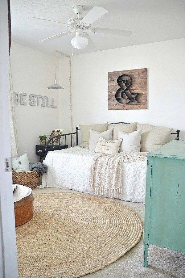 Liz Marie's Cozy Abode and its Creative Décor 25