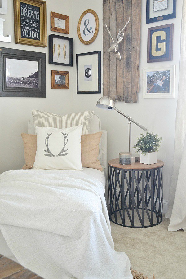 Liz Marie's Cozy Abode and its Creative Décor 3