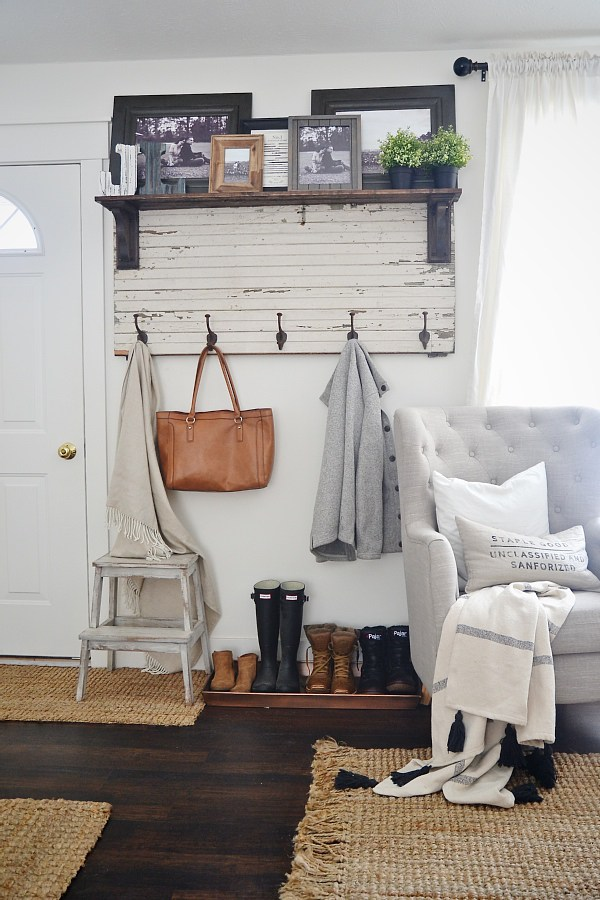 Liz Marie's Cozy Abode and its Creative Décor 29