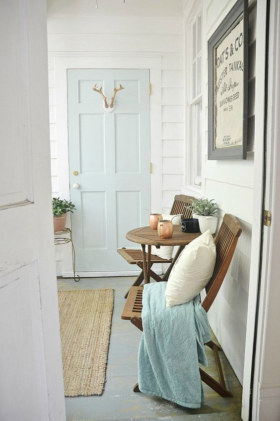 Liz Marie's Cozy Abode and its Creative Décor 30