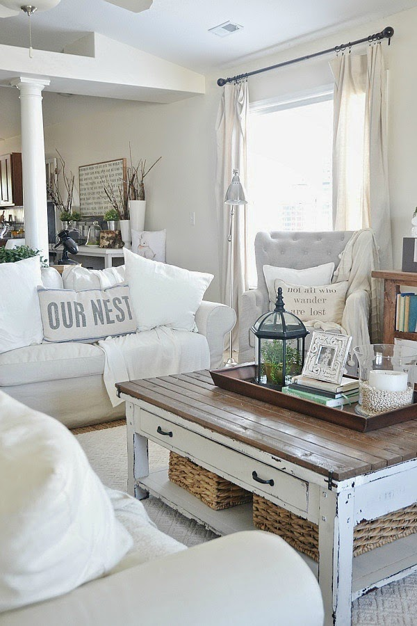 Liz Marie's Cozy Abode and its Creative Décor