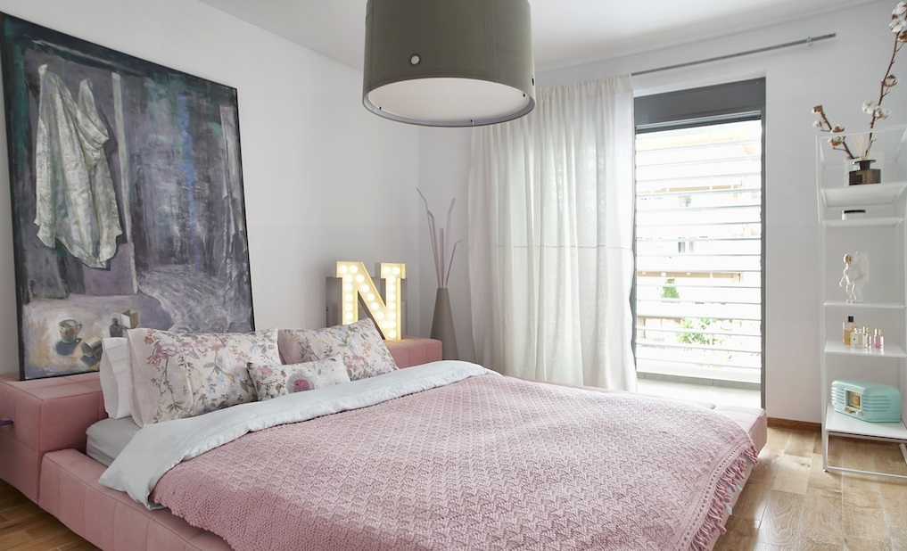 Modern Decor With A Feminine Touch 5