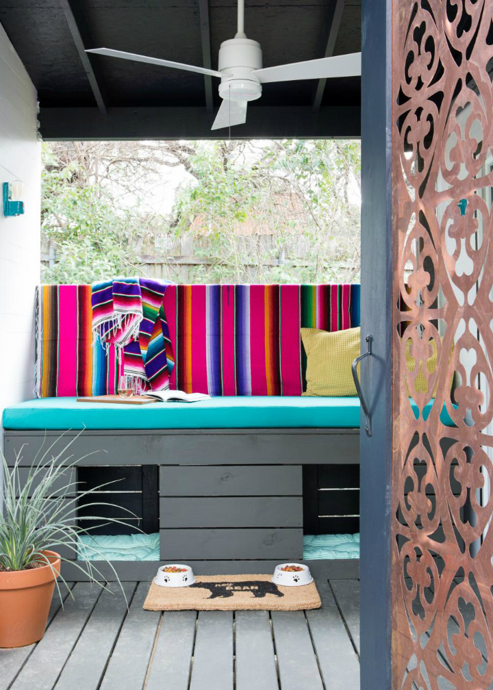 Small Colorful Fashionable House With Eclectic Vibe 2