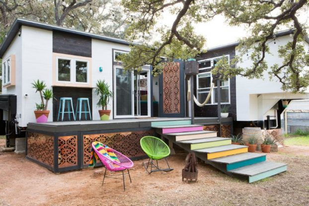 Small Colorful Fashionable House With Eclectic Vibe