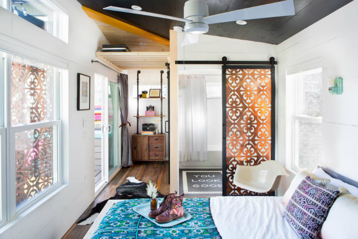 Small Colorful Fashionable House With Eclectic Vibe 8