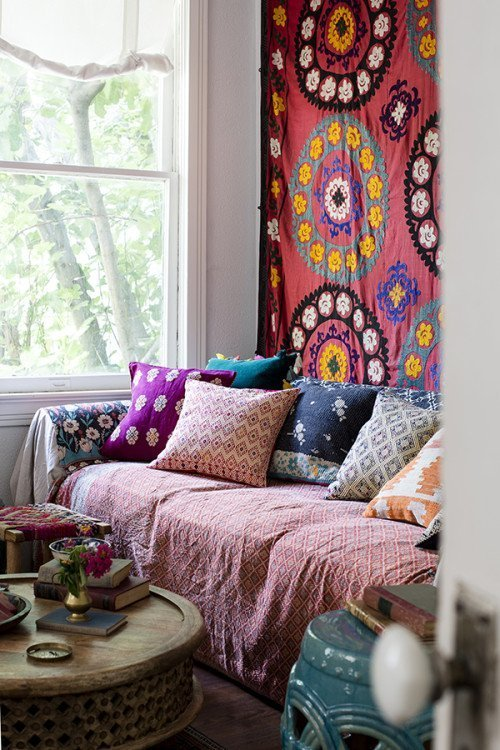 26 bohemian living room ideas decoholic for Living room ideas hippie
