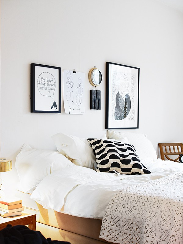 Lovely Apartment With Yellow Touches 10