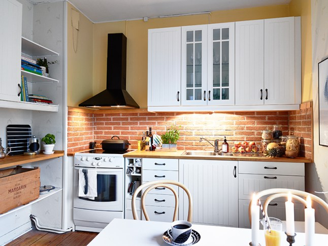 Lovely Apartment With Yellow Touches 13