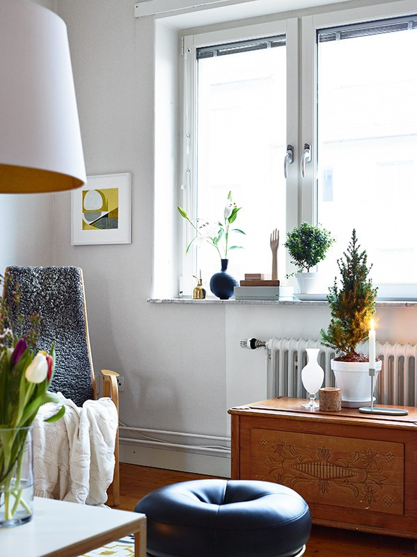 Lovely Apartment With Yellow Touches 3
