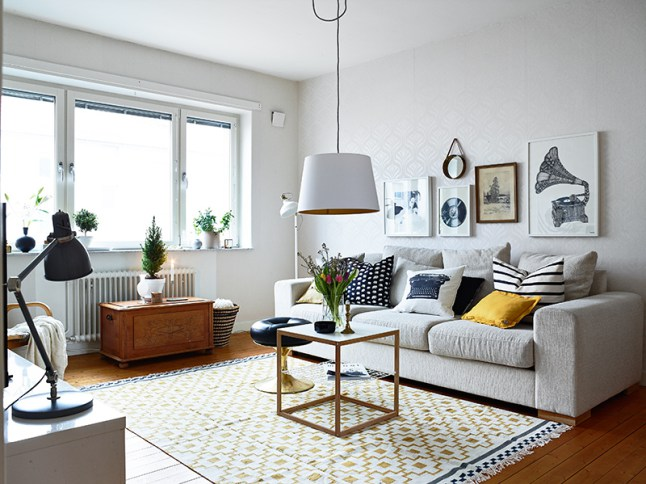 Lovely Apartment With Yellow Touches 4
