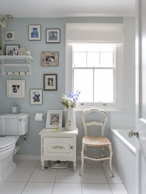 Happy modern victorian home decoholic for Modern victorian bathroom ideas