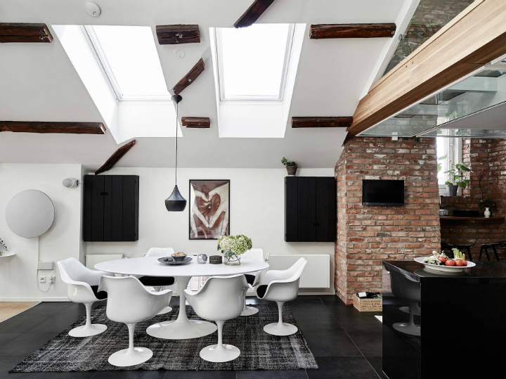 A Modernized Home Styled Labyrinth With Beams Of Natural Light 7