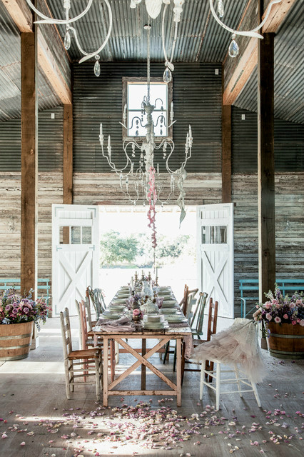 barnyard wedding The Prairie By Rachel Ashwell 6