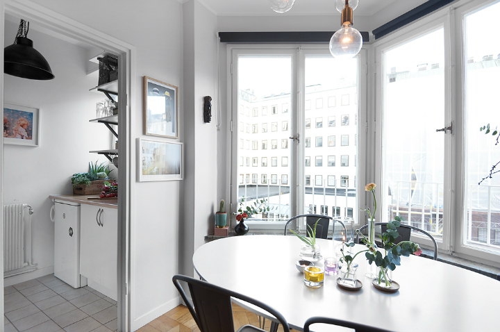 small gray scandinavian apartment 8