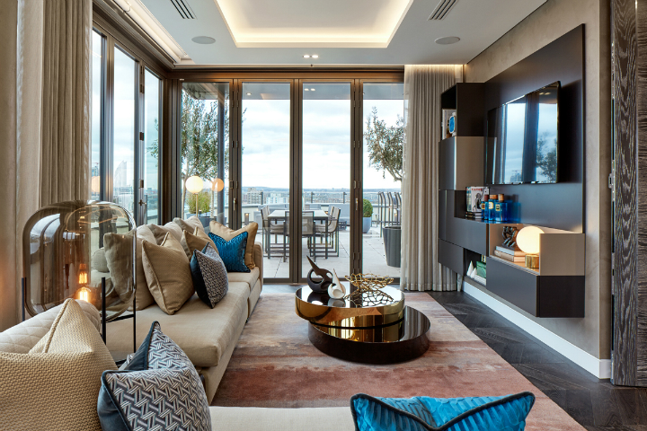 exceptional triplex penthouse apartment overlooking the River Thames tops