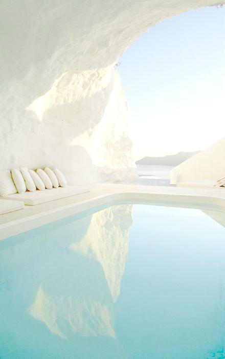 Katikies Santorini swimming pool