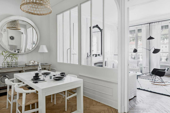 The Luxurious White-Themed French Apartment interior 3