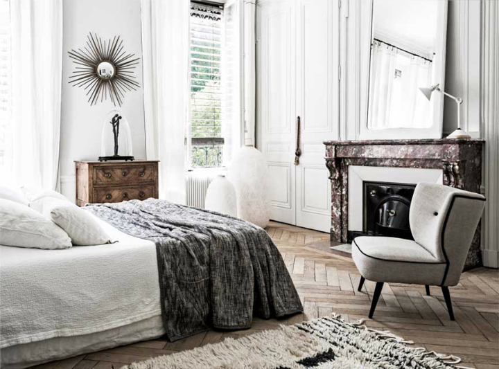 The Luxurious White-Themed French Apartment interior 7