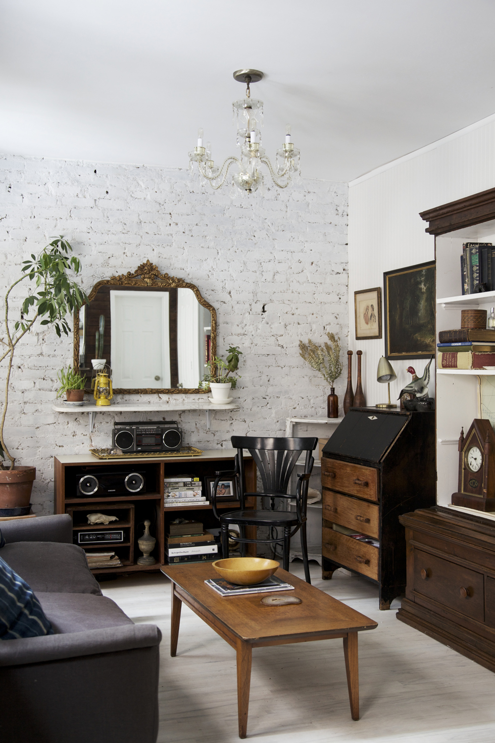 Anthony d 39 argenzio 39 s east village home in the heart of new - Decoracion industrial vintage ...