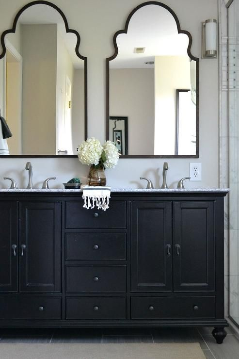 black and white bathroom design 11