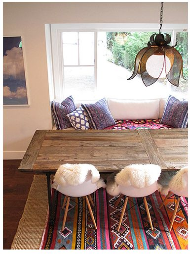 bohemian chic breakfast nook with kilim rug