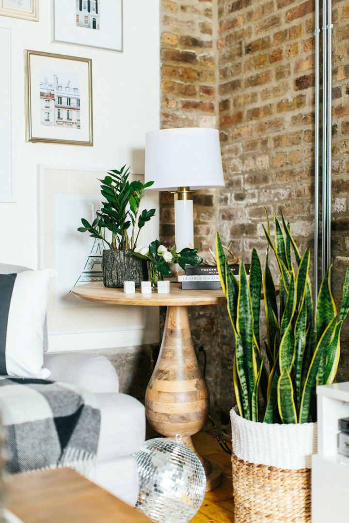 The Everygirl Cofounders' Amazing Chicago Home and Office 19