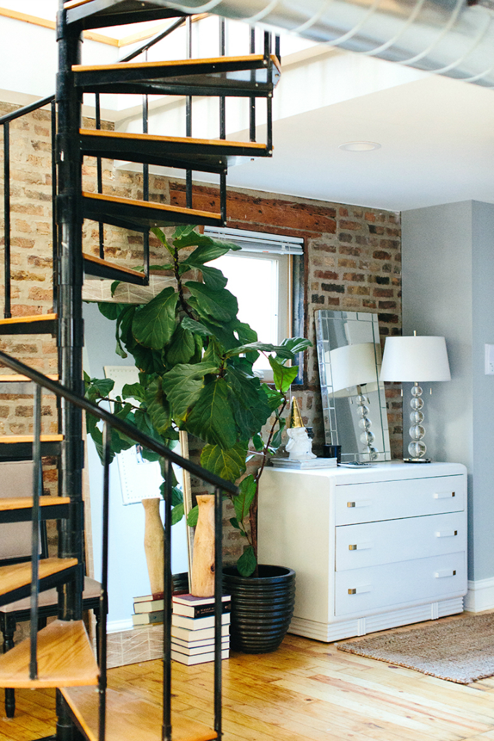 The Everygirl Cofounders' Amazing Chicago Home and Office 23