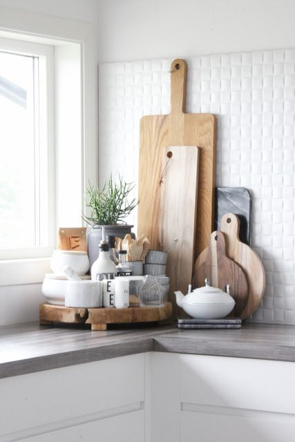 10 ways to style your kitchen counter like a pro decoholic for Small home decor items
