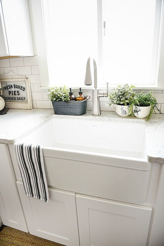 10 ways to style your kitchen counter like a pro decoholic for Bathroom countertop accessories
