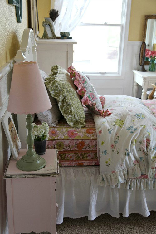 Amazing Teen Girl's Bedroom Makeover 2