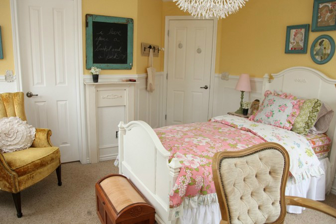 Amazing Teen Girl's Bedroom Makeover 3