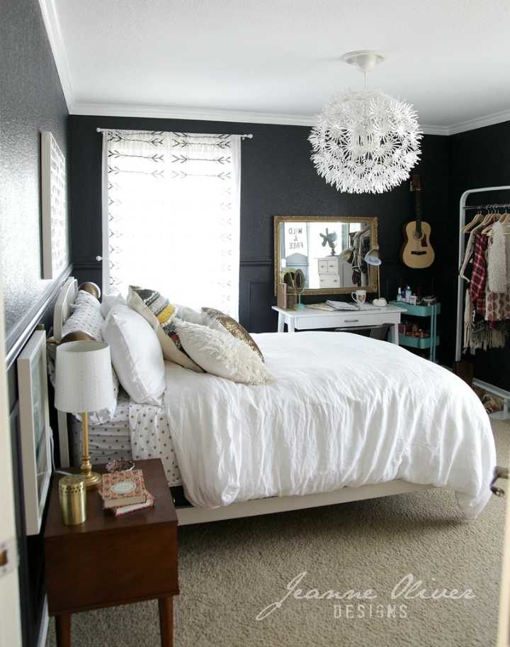 Amazing teen girl 39 s bedroom makeover decoholic for Black and white rooms for teens