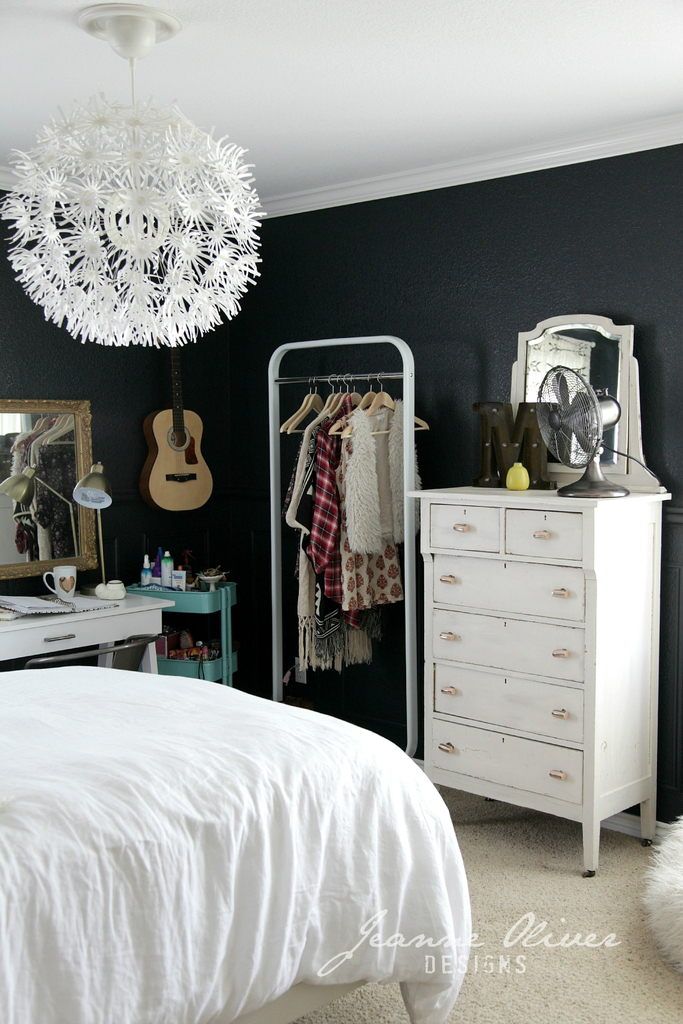 Amazing Teen Girl's Bedroom Makeover 9